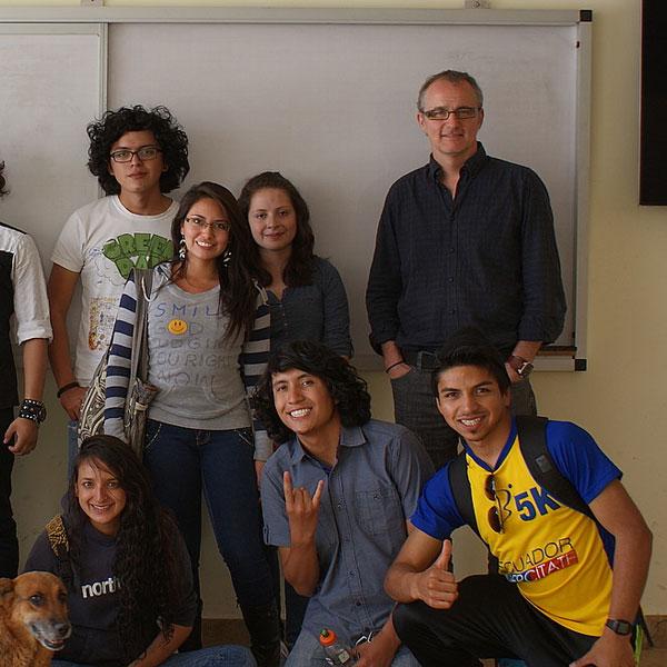 Colaboración en nanotecnología Visita de Bertrand Berche, Ph.D. de la Universidad de Lorraine