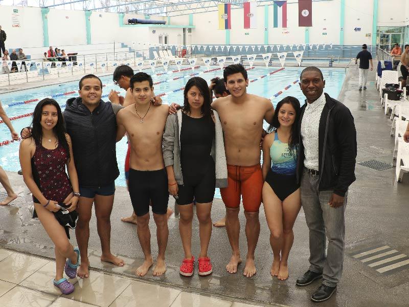 Yachay Tech se lleva 14 medallas en natación