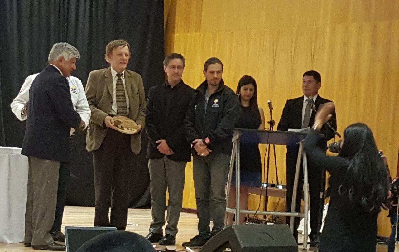 Yachay Tech recibió el premio Cotacachi-Cayapas en Investigación y Monitoreo