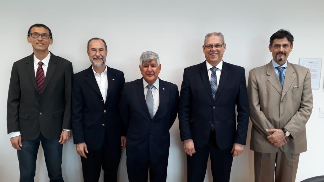Rector de Yachay Tech promueve agenda de cooperación en Brasil y Argentina