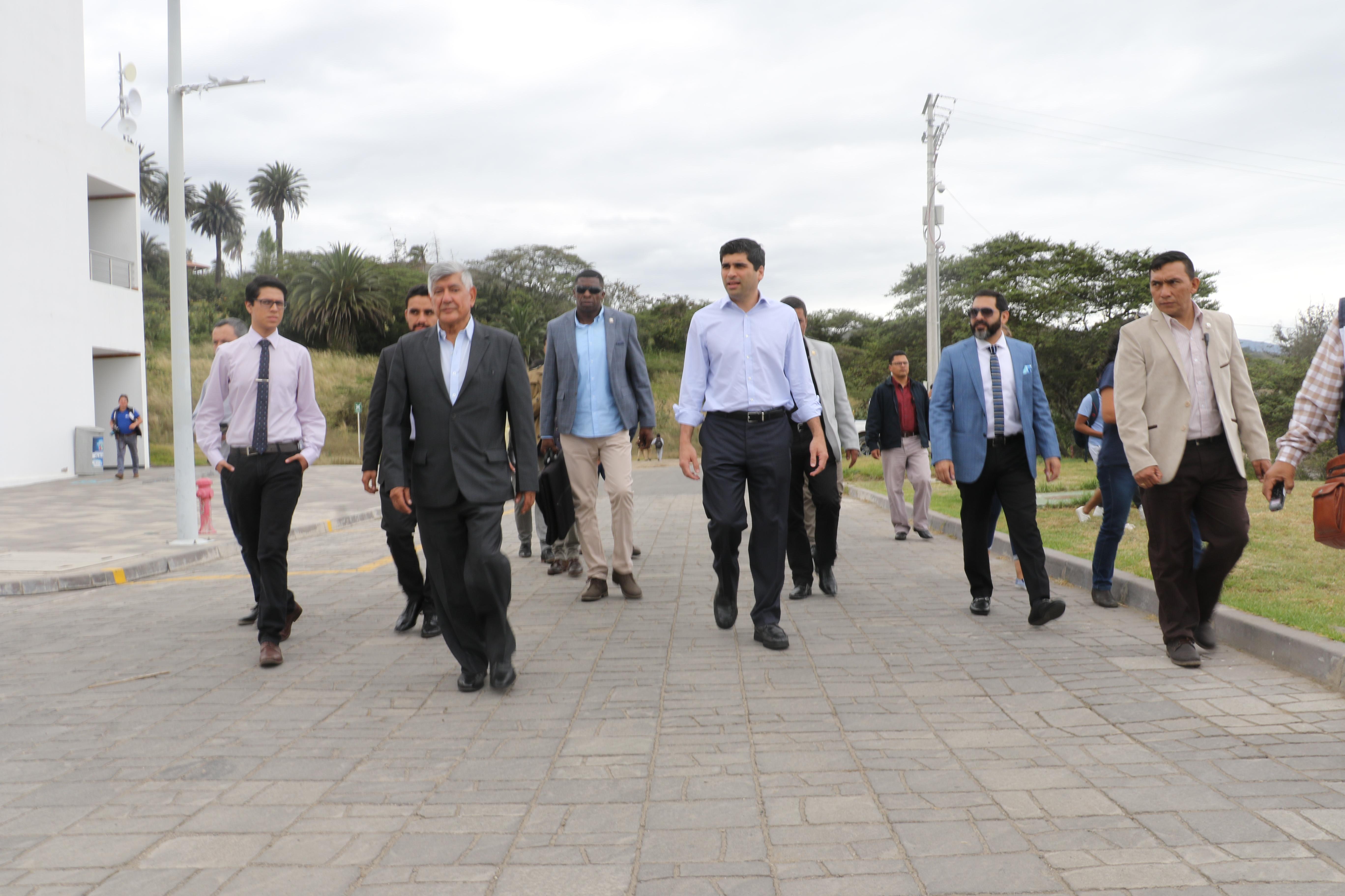 Vicepresidente de Ecuador visita Yachay Tech